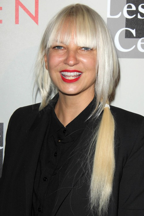 Sia Furlers Hairstyles Amp Hair Colors Steal Her Style