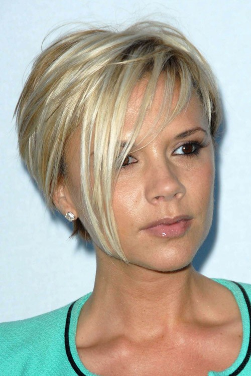 Victoria Beckhams Hairstyles Amp Hair Colors Steal Her Style