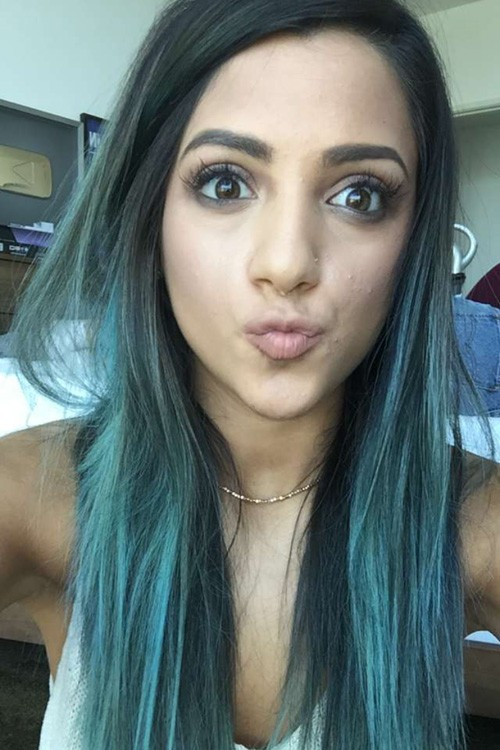 Niki DeMartinos Hairstyles Amp Hair Colors Steal Her Style