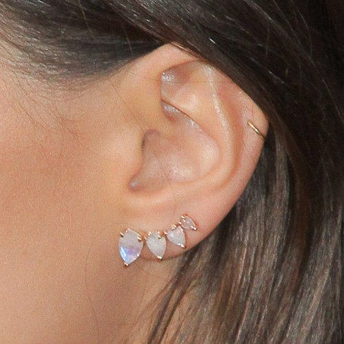 Emily Ratajkowskis Piercings Amp Jewelry Steal Her Style