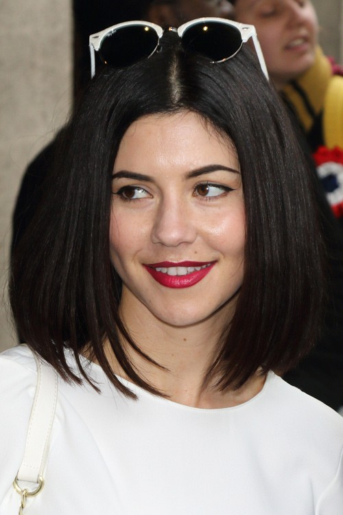 Marina Diamandis Hairstyles Amp Hair Colors Steal Her Style
