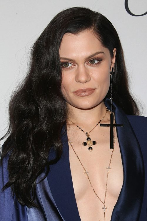Jessie Js Hairstyles Amp Hair Colors Steal Her Style