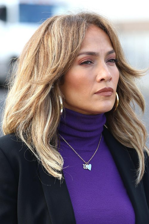Jennifer Lopezs Hairstyles Amp Hair Colors Steal Her Style