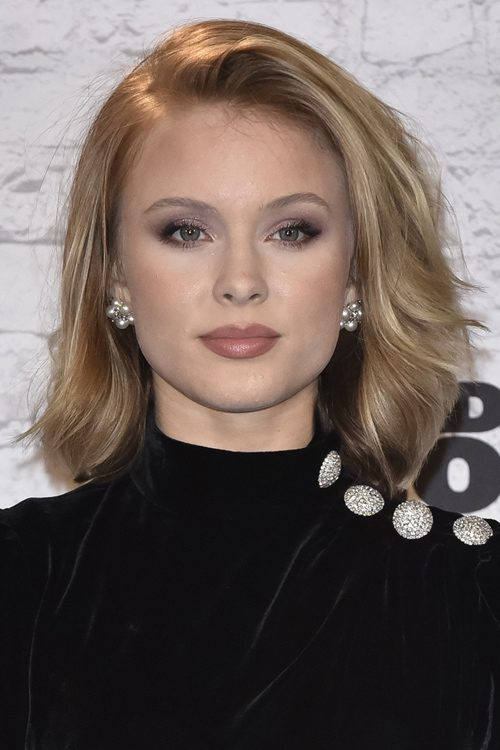 Zara Larssons Hairstyles Amp Hair Colors Steal Her Style