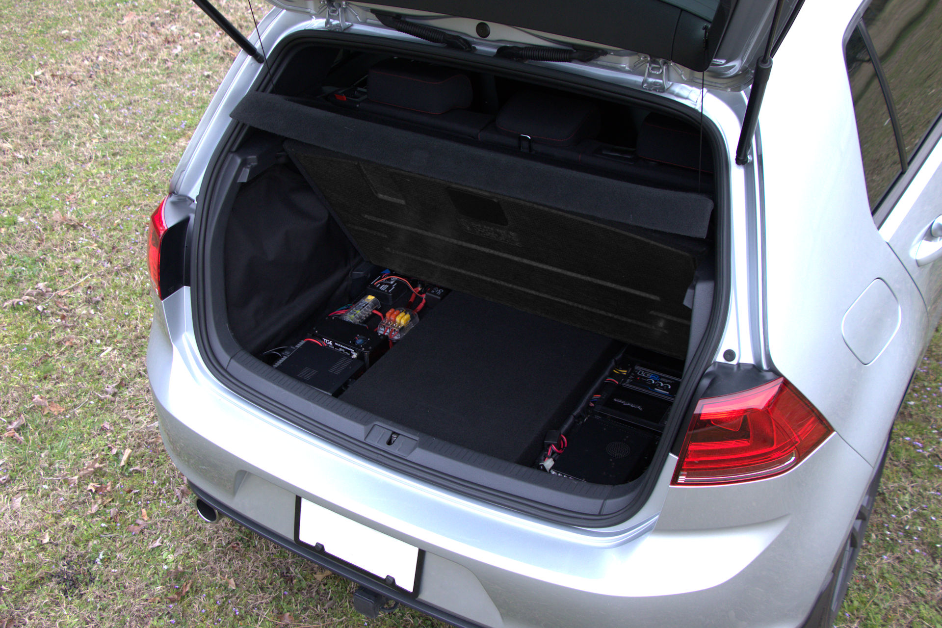 "VW Volkswagen Tiguan Custom Fit MDF 10/"" Rear Sub Box Subwoofer Enclosure Bass"