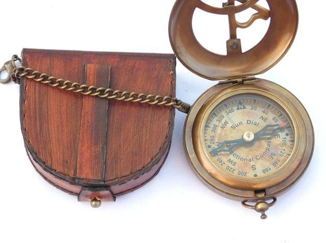 Brass Sundial Compass. 2