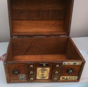 Steampunk inspired Alice in Wonderland jewellery box, trinket box. 4
