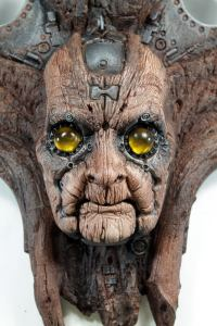 TARMAK QUIMBATTI. Old wooden robot wall sculpture by Tomas Barcelo. 2