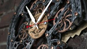 Rustic Steampunk Wall Clock, (with moving gears). Automaton Bite 1682 6