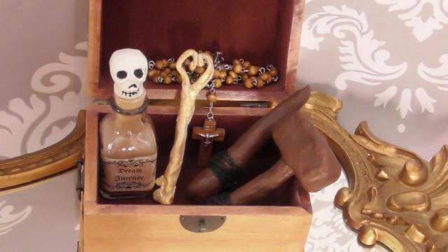 Vampire Hunting Kit. 2