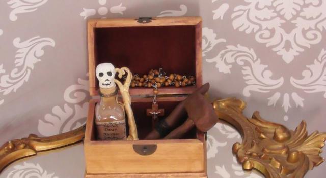 Vampire Hunting Kit. 3