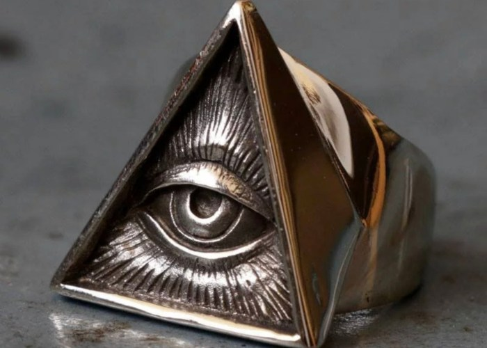Stainless Steel Masonic All-Seeing Eye of Providence Pyramid Ring. Created by Astute Eclectics.