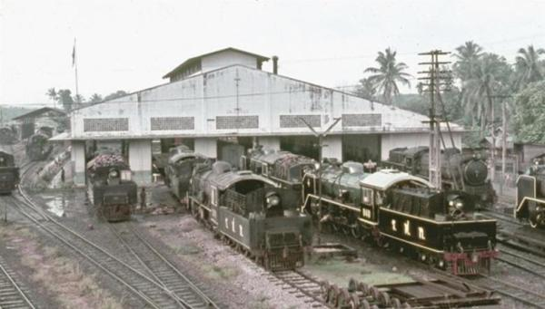 haad yaai thailand steam trains loco depot