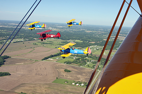 stearman thru the wires