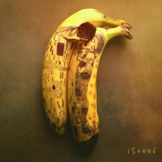 Fruitdoodles (Banana art) by Stephan Brusche
