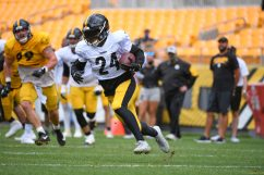 Pittsburgh Steelers running back Benny Snell Jr. (24) trains at Heinz Field during the Steelers 2020 Training Camp, Monday, Aug. 24, 2020 in Pittsburgh, PA. (Karl Roser / Pittsburgh Steelers)