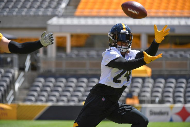 Pittsburgh Steelers running back Benny Snell Jr. (24) trains at Heinz Field during the Steelers 2020 Training Camp, Wednesday, Aug. 19, 2020 in Pittsburgh, PA. (Karl Roser / Pittsburgh Steelers)