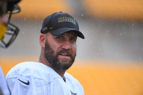 Pittsburgh Steelers quarterback Ben Roethlisberger (7) trains at Heinz Field during the Steelers 2020 Training Camp, Wednesday, Sept. 2, 2020 in Pittsburgh, PA. (Karl Roser / Pittsburgh Steelers)