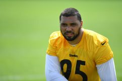 Pittsburgh Steelers nose tackle Chris Wormley (95) participates in the Organized Team Activities (OTAs), Tuesday May 25, 2021 at the UPMC Rooney Sports Complex. (Karl Roser / Pittsburgh Steelers)