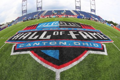 CANTON, OH - AUGUST 02: A General view of the Hall of Fame Logo at midfield prior to the National Football League Hall of Fame Game between the Chicago Bears and the Baltimore Ravens on August 2, 2018 at Tom Benson Hall of Fame Stadium in Canton, Ohi0.(Photo by Rich Graessle/Icon Sportswire)