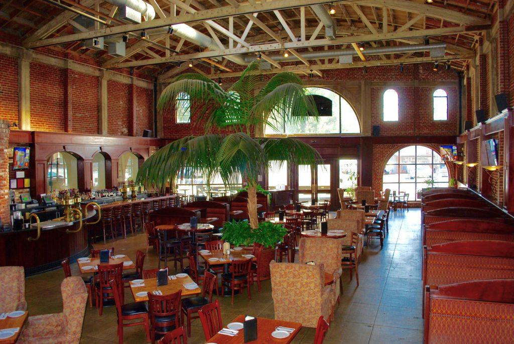 Burlingame Restaurant Brewery Steelhead Brewing Co - Patio Tables Outdoor