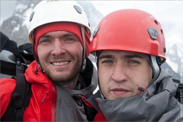 Белоцерковский и Грязнов на вершине пика Асан