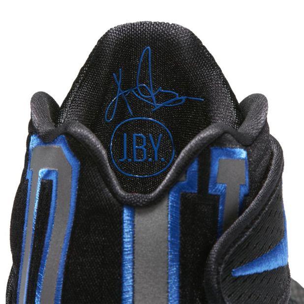 Kyrie shoe 5