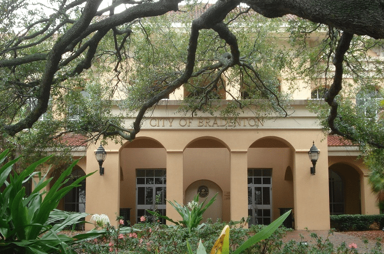 Photo of Bradenton City Hall