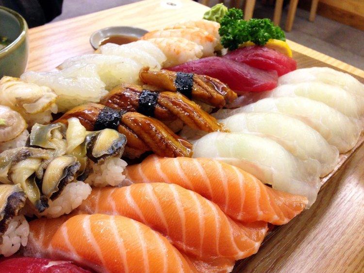 sushi-1958247_1920.jpg