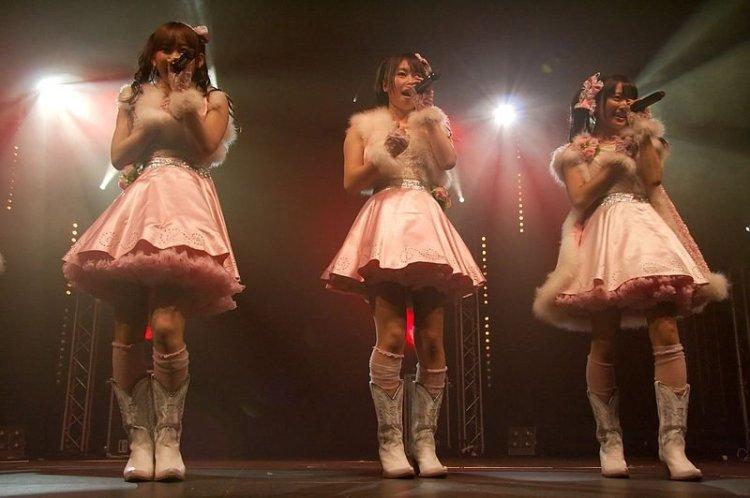 AKB48_20090703_Japan_Expo_20.jpg