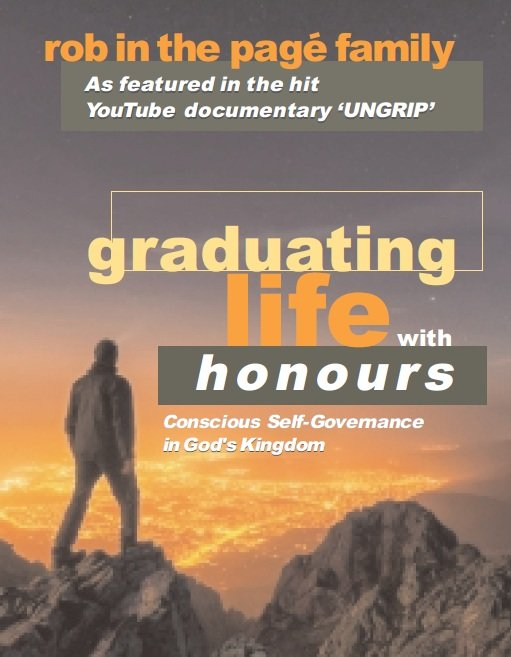 GraduatingLifewithHonoursrobinthepagefamily.jpg