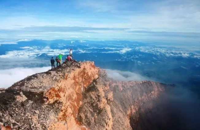7 The Highest Mountain In Indonesia So The Climber S Dream Dare To Explore Steemit