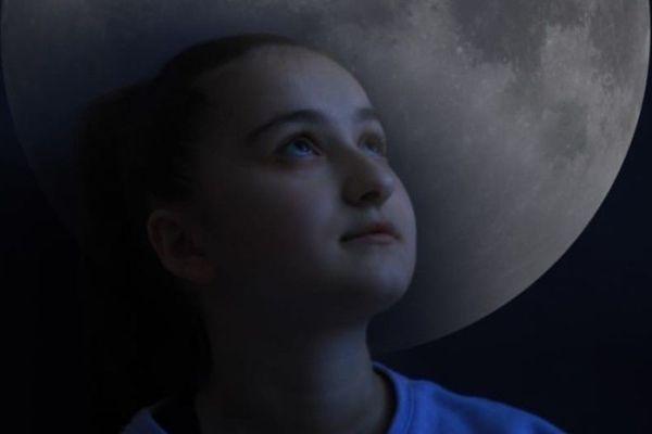 Agunda (Агунда Цирихова) — молодая певица