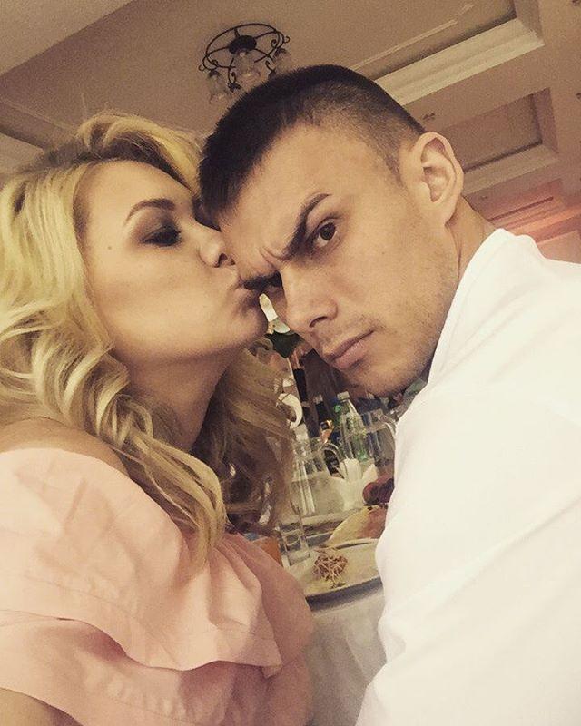 Дикий Лось с женой