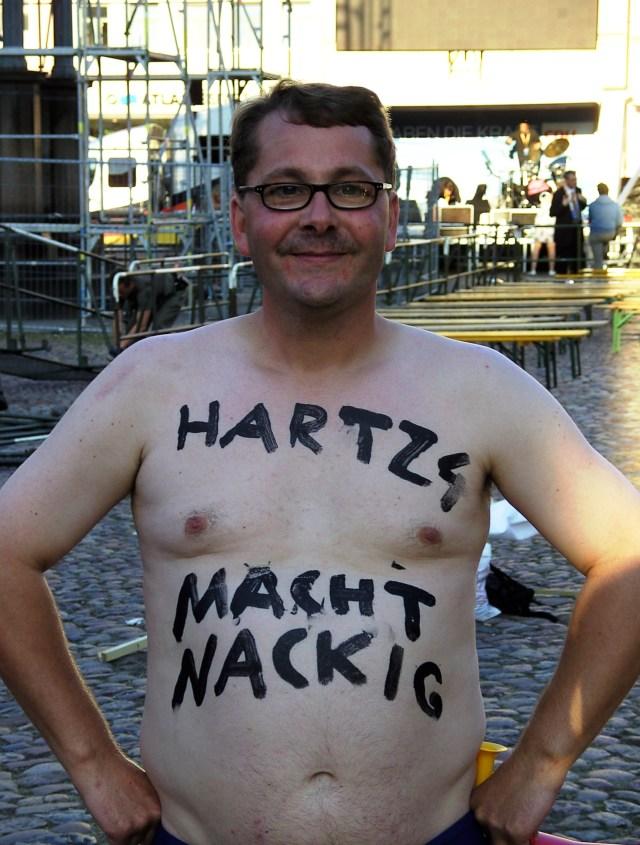 Protest - Hartz 4 macht nackig