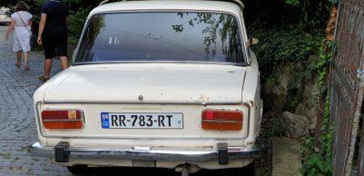 Solche alten Autos fahren in Georgien zuhauf herum
