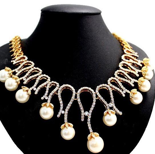 Set de colier cu perle si cristale plus cercei pentru tinute de seara