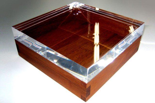 Custom-Honduras-Mahogany-wood-box-with-clear-acrylic-top-for-WATG-2