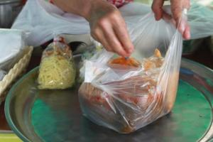 Essen zum mitnehmen einkaufen in Mae Sai