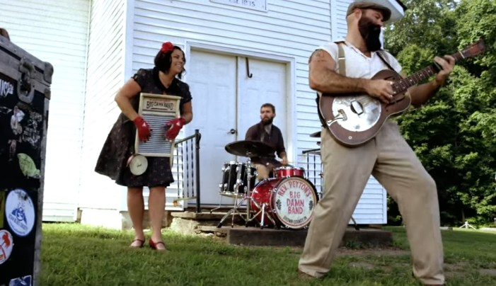 The Reverend Peyton's Big Damn Band – You Can't Steal My Shine