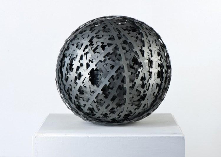 Borderlines#2 (Planet Earth), Stacheldraht, ca. 35 cm Durchmesser, 2012
