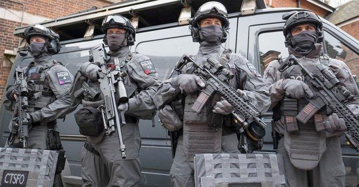 Terroren i Manchester – Theresa May svarer med 5000 soldater – og fortsatt støtte til terrorsponsorene