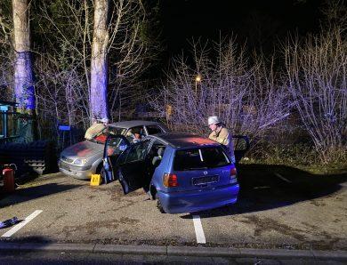 Verkehrsunfall – 2 Personen eingeklemmt