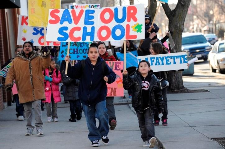 Chicago Public Schools, School Closings