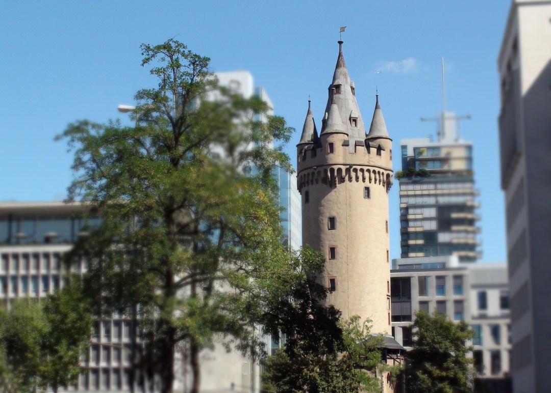 Der Eschenheimer Turm in Frankfurt