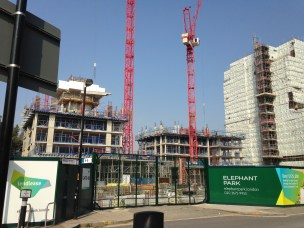 15-heygate-estate-bldg-site