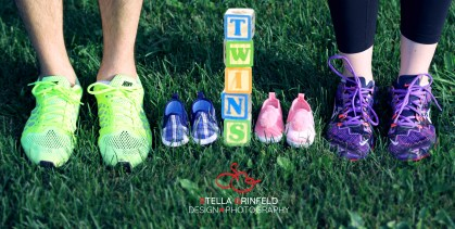 feet-twins-blocks-bluer
