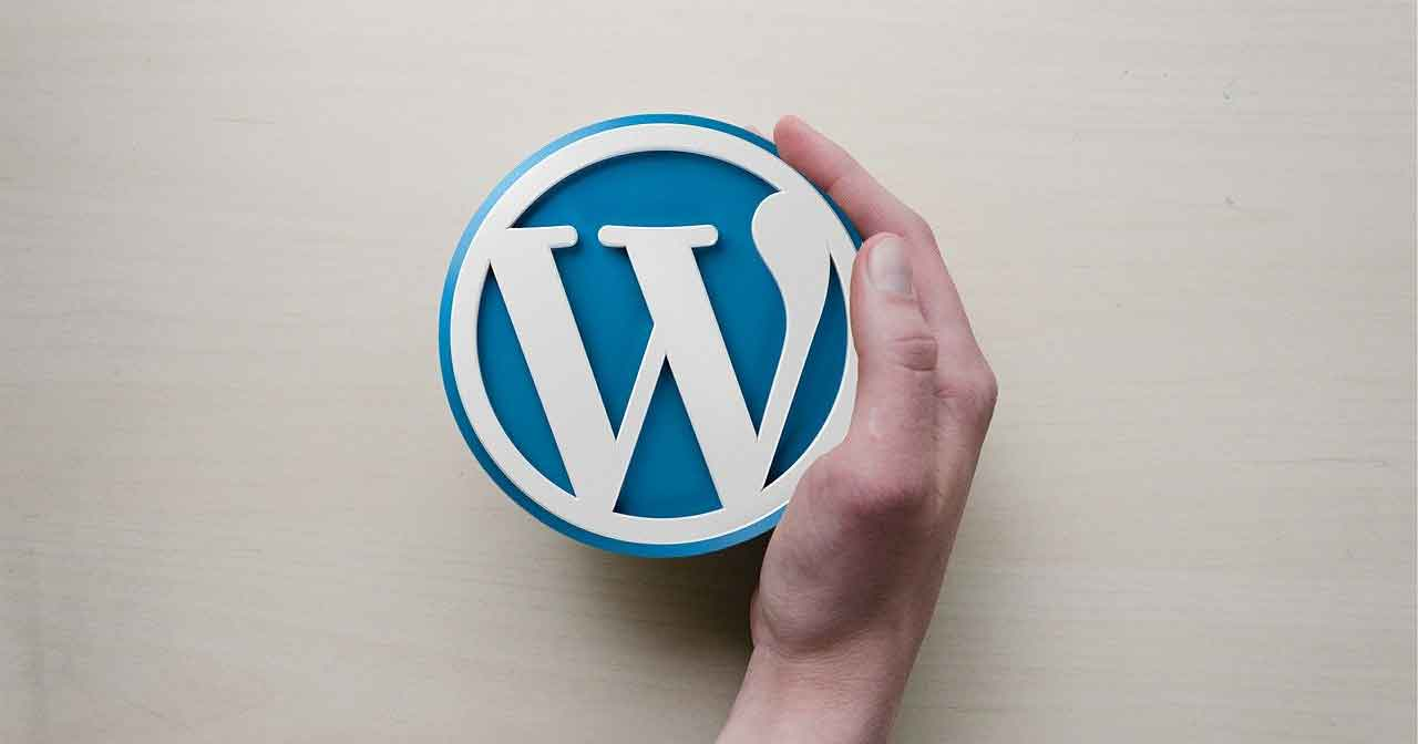 What's the key difference between wordpress.com and wordpress.org
