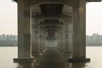 Manuel_Alvarez_Diestro_Seoul_Bridges_Its_Nice_That_14