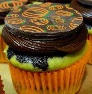 Chocolate Pumpkin Cheesecake Cupcakes - 20